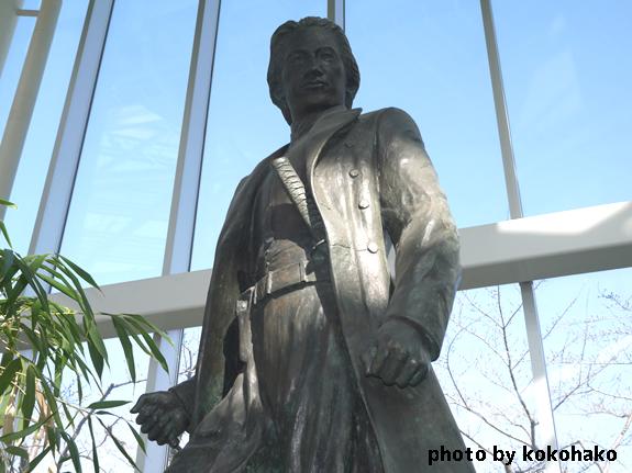 函館市五稜郭タワー土方歳三の銅像
