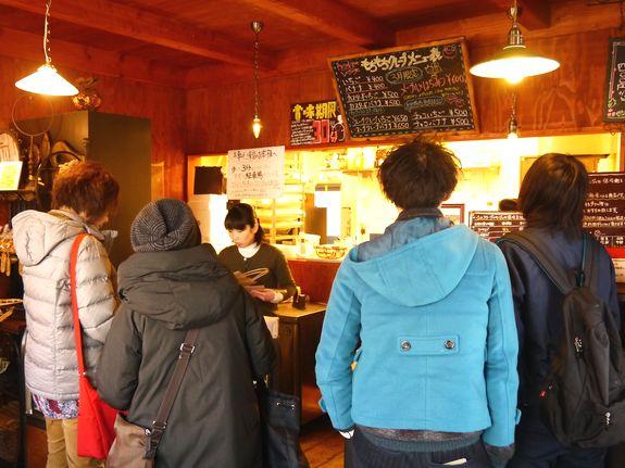 賞味期限30分人気の函館ケーキ屋さん店内